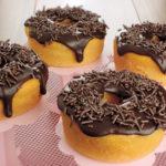 Minibolo-cenoura-calda-chocolate.jpg