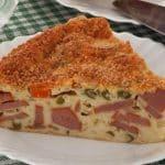 Torta-fácil-de-batata-e-salsicha-1.jpg