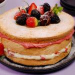 bolo-pelado-frutas-vermelhas.jpg