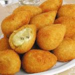 coxinha-3-queijos-receita.jpg