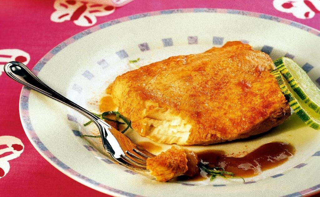 Peixe com molho picante para comer na quaresma