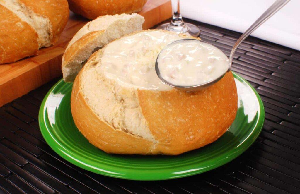 Sopa no pão italiano