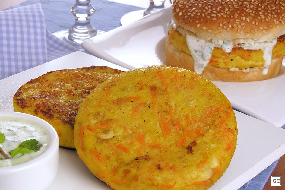hambúrguer vegetariano de cenoura