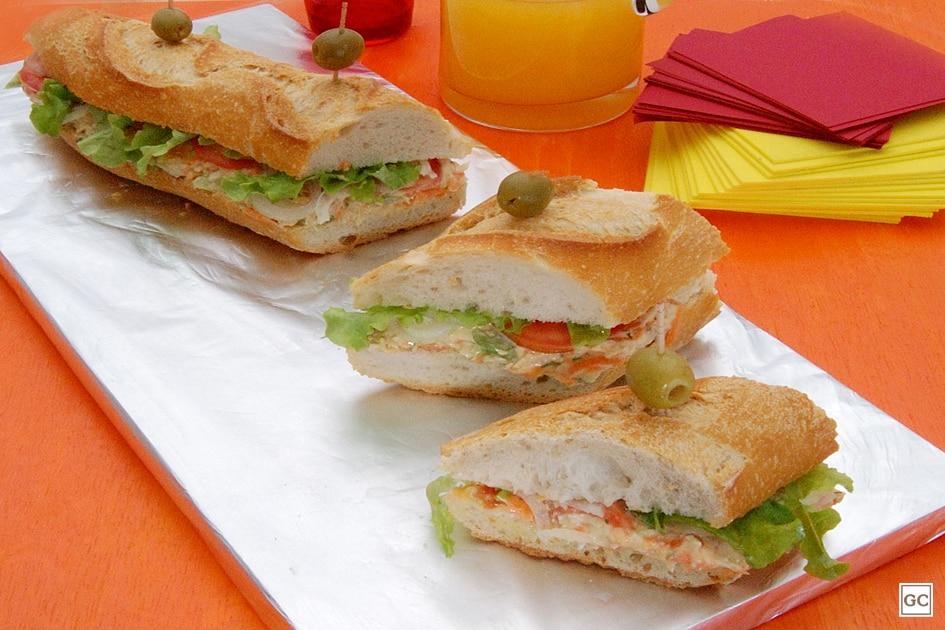 café da tarde - sanduíche de frango