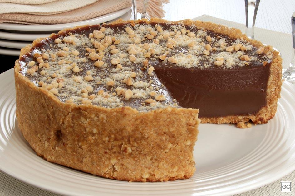 sobremesas para o Dia das Mães - Torta cremosa de chocolate e amendoim
