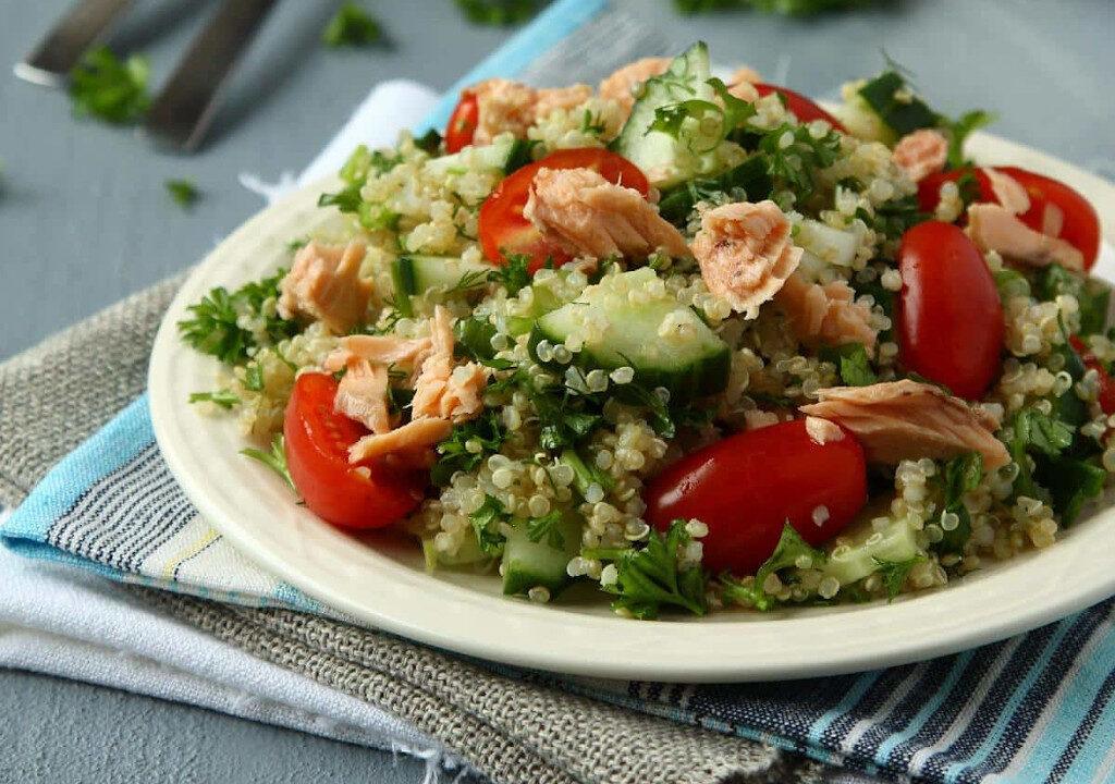 saladas com atum