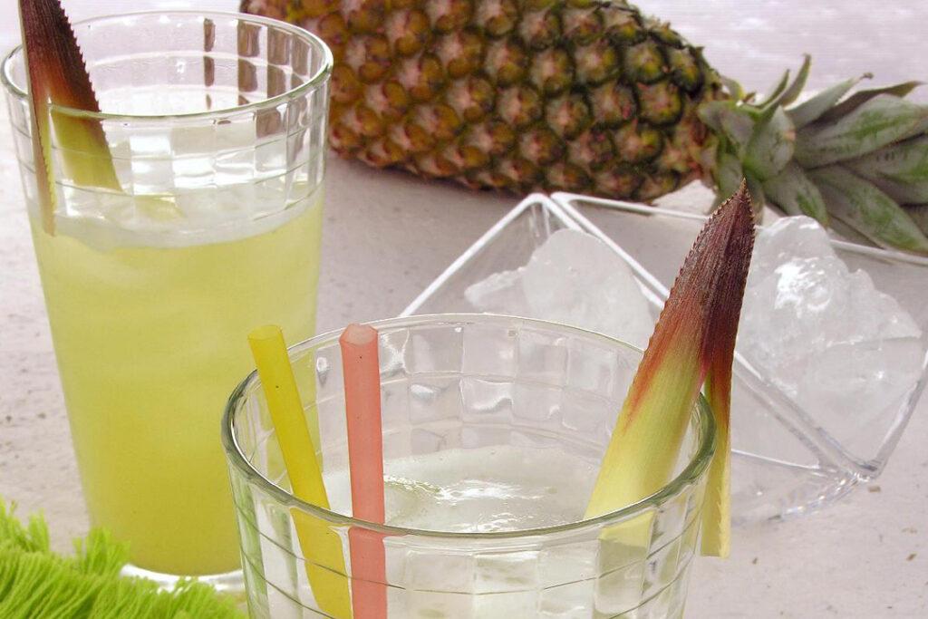 suco de casca de abacaxi