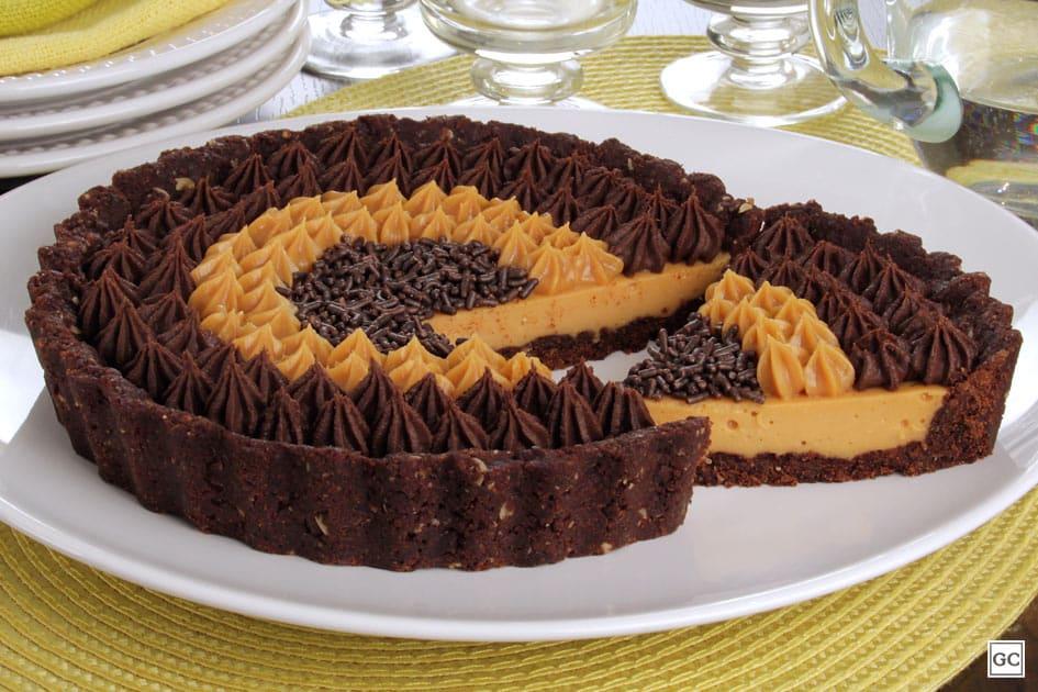 Torta de doce de leite, chocolate e licor de cacau