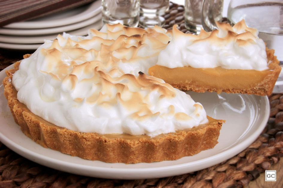 Torta de doce de leite com merengue